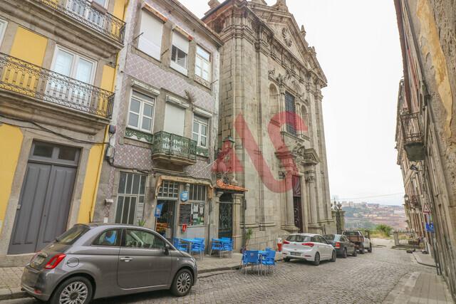 Prédio T0 em Porto