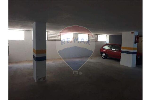 Garagem T0 em Setúbal